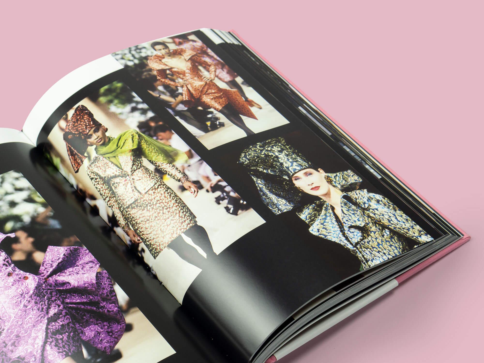 knyga apie Yves Saint Laurent